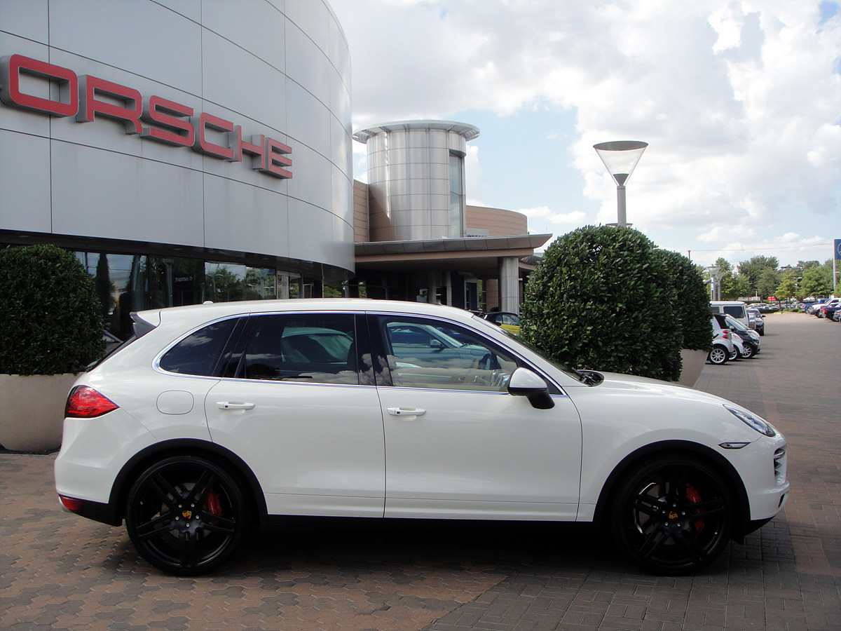White 2011 Cayenne Turbo On 23 Quot Modulare B11 In Satin