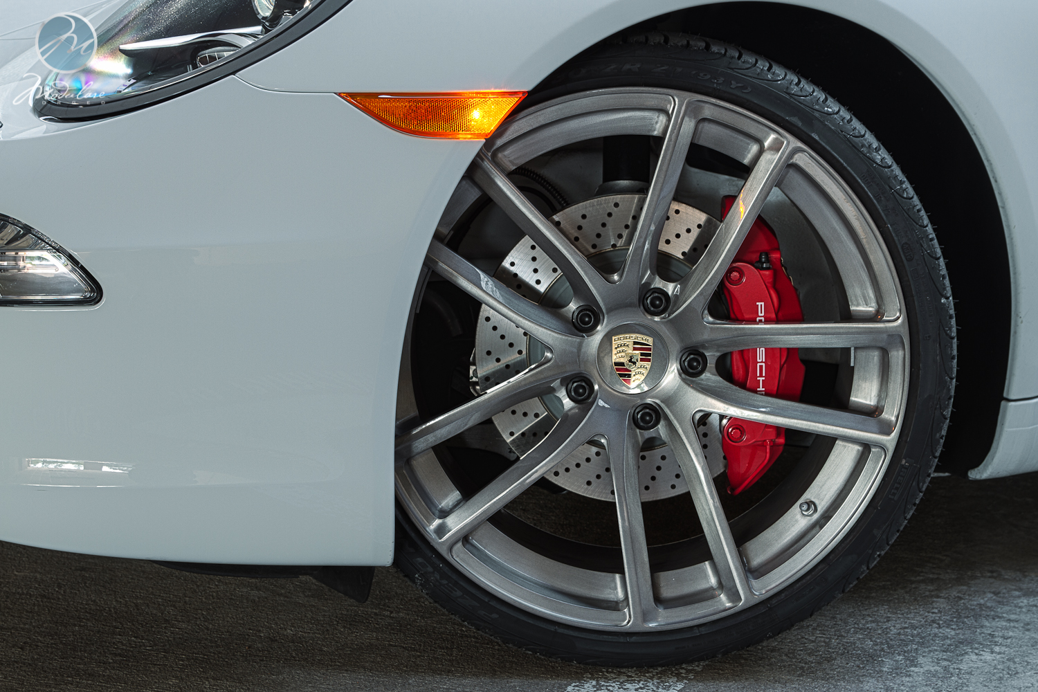 s courtesy of our friends at park place porsche in dallas tx wearing a set of 21 modulare b30 forged monoblock wheels in the tinted brushed finish