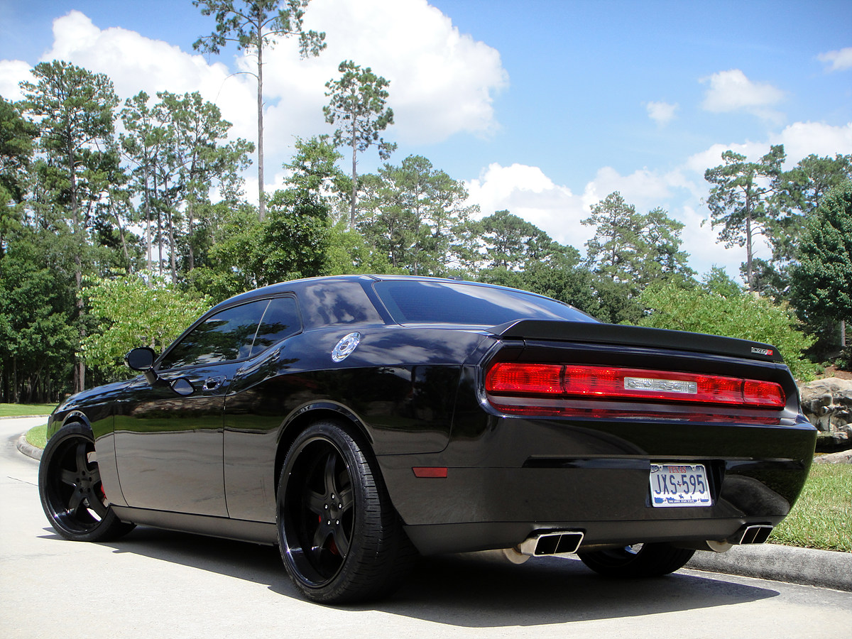 """Challenger SRT8 with 22"""" MODULARE M7 wheels blacked out"""